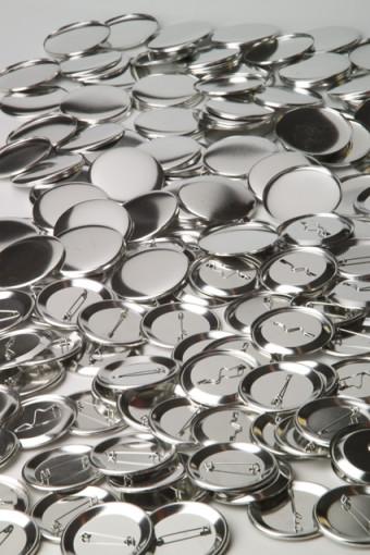 Relatiegeschenk Buttons (blanco) doorsnede 56 mm.
